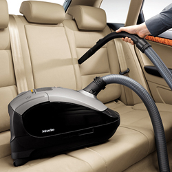 Tips for Vacuuming a Car