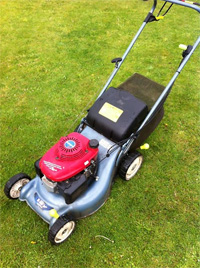 self-propelled lawn mowers for sale